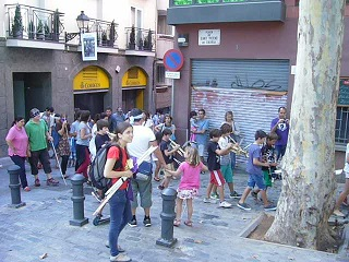 Caminada_plaça